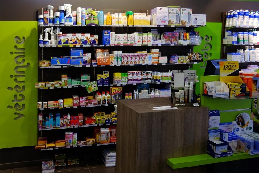 L.A Pharmacie Neuville revisite031.jpg